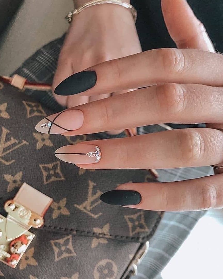 The Fall 2021 Nail Trends To Inspire Your Next Manicure images 2