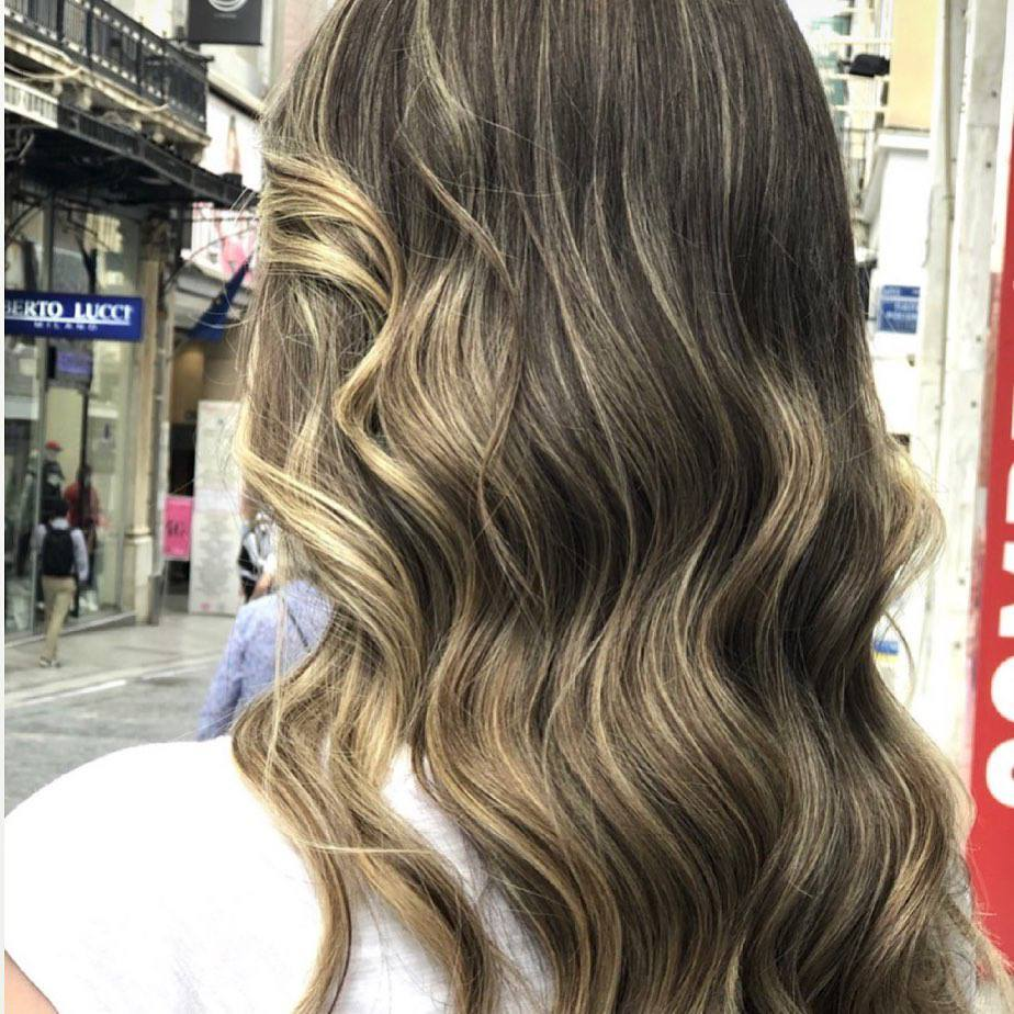 40+ Awesome Hairstyles For Girls With Long Hair images 2