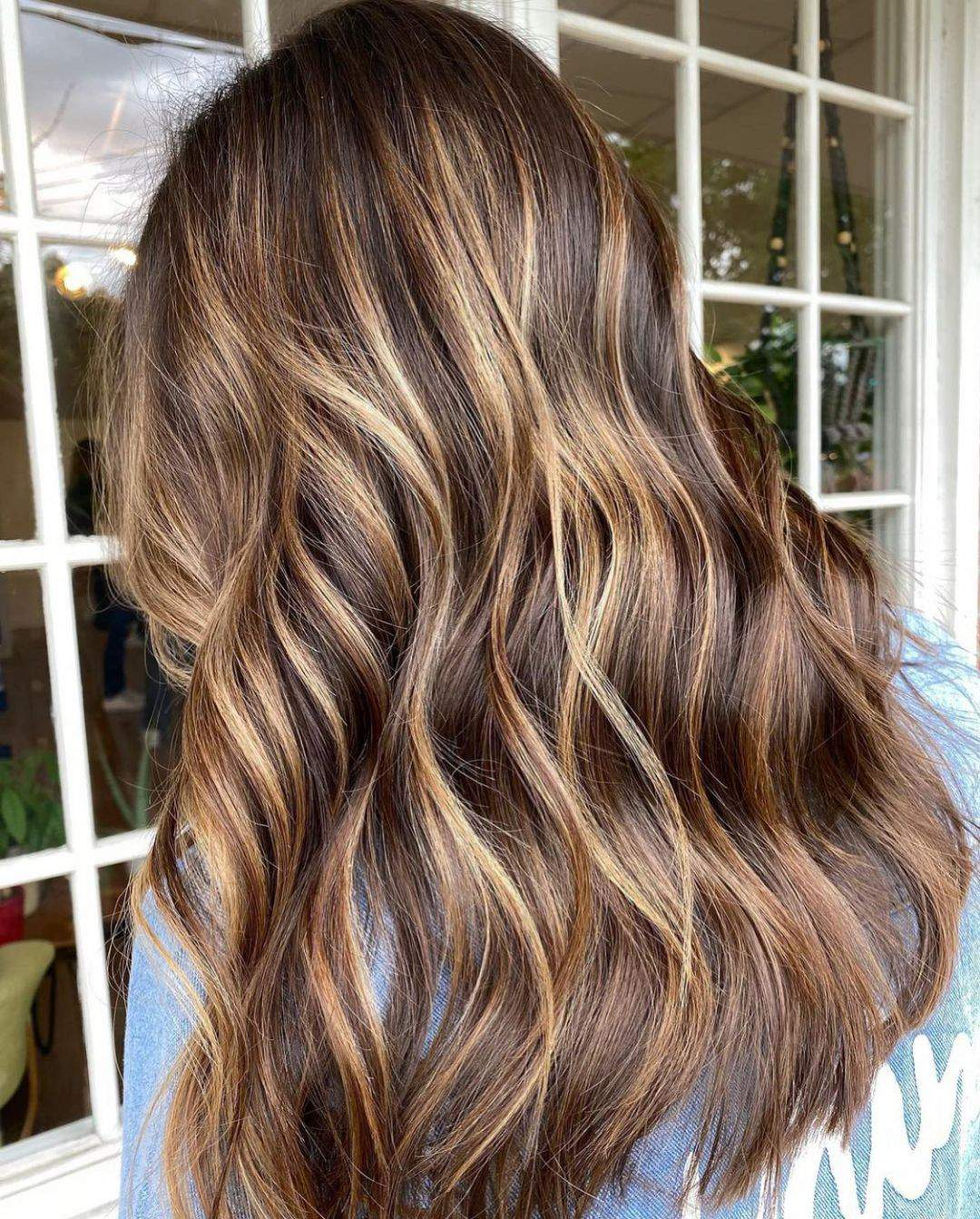 40+ Awesome Hairstyles For Girls With Long Hair images 8
