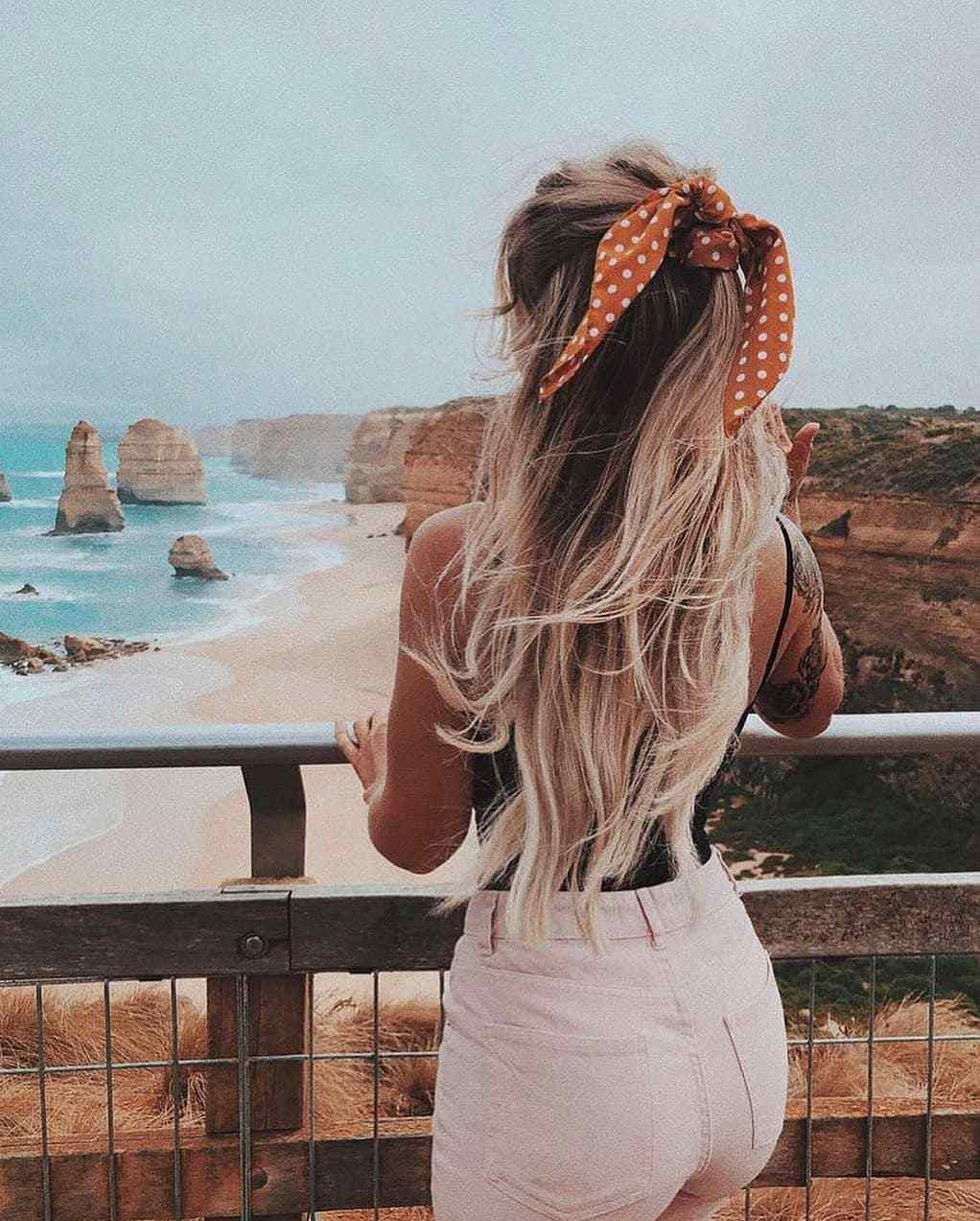 40+ Awesome Hairstyles For Girls With Long Hair images 9