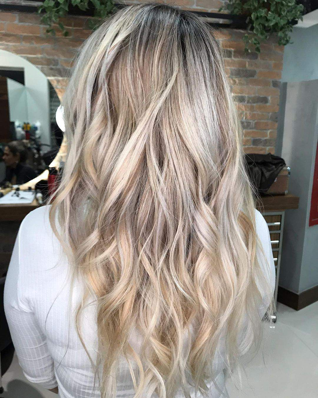 40+ Awesome Hairstyles For Girls With Long Hair images 37