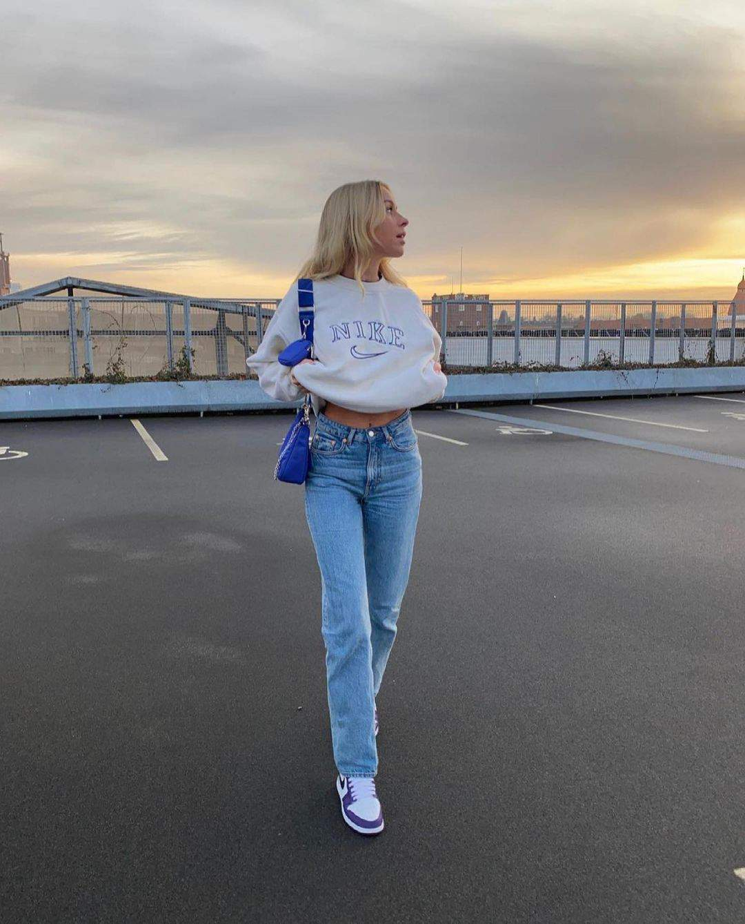 Best Women Fall Street Style Inspiration For 2021 images 3