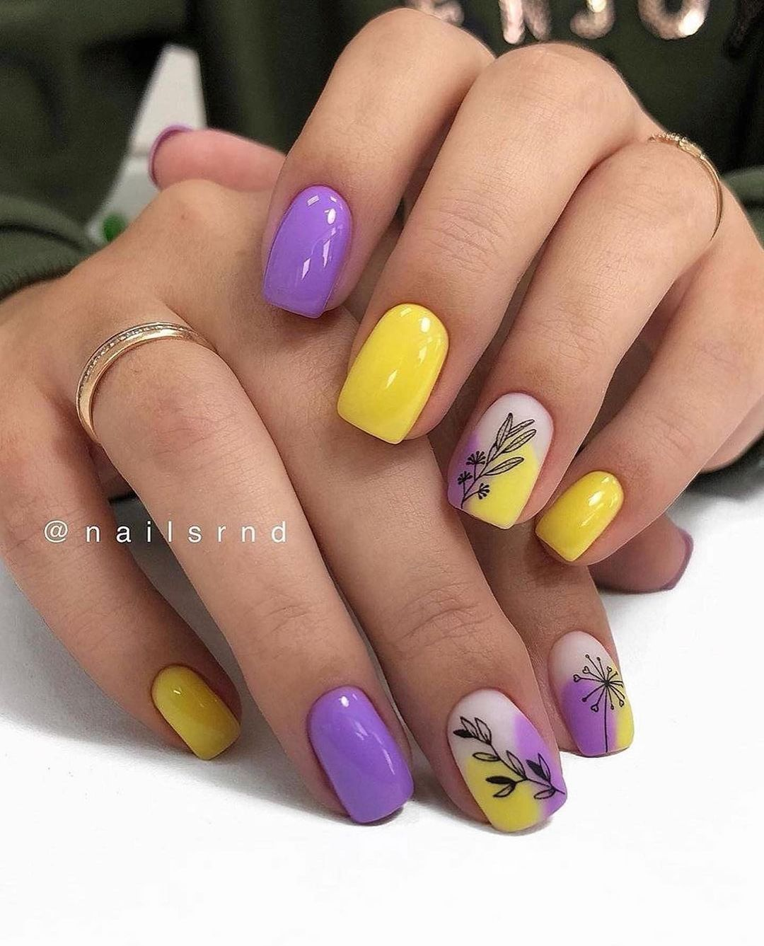 25 Trending Summer Nail Colors And Designs For 2021 images 4